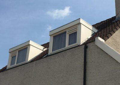 We reinigen uw dakkapel én die van de buren!
